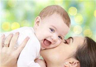 断奶舍不得的感人心情句子 给孩子断奶的感人说说