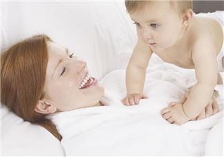宝宝断奶妈妈心疼句子说说 给孩子断奶母亲心情说说感慨