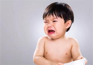 孩子咿咿呀呀是在说什么 孩子不会说话的时候咿咿呀呀代表什么