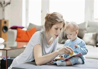 两岁多的孩子不爱看绘本是什么原因 孩子不爱看绘本正常吗