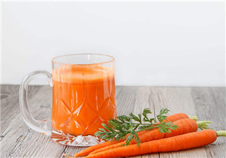 喝胡萝卜汁能预防乳腺癌吗 如何自制胡萝卜汁