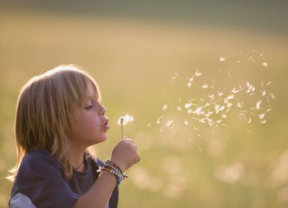 陪孩子游玩的心情短语 带孩子游玩后的说说朋友圈