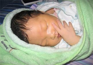 新生儿黄疸怎么退得快 哪些孩子容易得黄疸