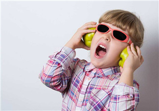 孩子多听古典音乐有哪些好处 听古典音乐能让孩子更聪明吗