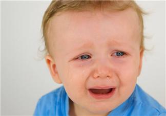 如何分辨孩子的哭声 宝宝一哭就抱是不是会宠坏他