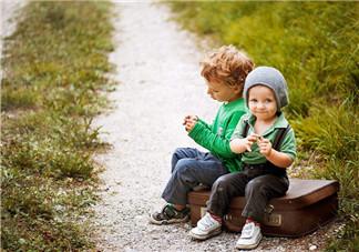 晒孩子五一旅行心情说说 发五一跟孩子玩的照片心情句子朋友圈