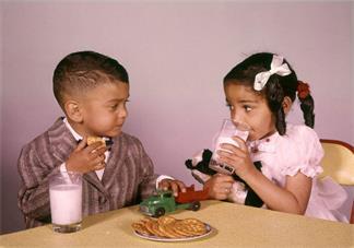 孩子特别爱吃零食怎么办 如何正确引导孩子吃零食2018
