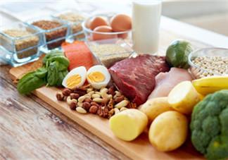 哺乳期吃什么对宝宝好 哺乳期不能吃的食物2018