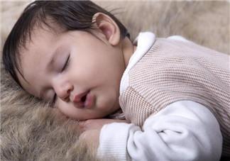 宝宝黑白天颠倒怎么办 学会慢慢改变宝宝的睡眠模式