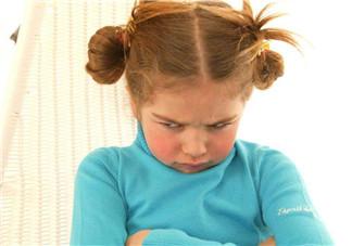 小孩固执执着怎么办 如何教育固执倔强的孩子