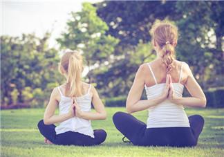 亲子瑜伽有什么好处 多大的孩子可以练瑜伽