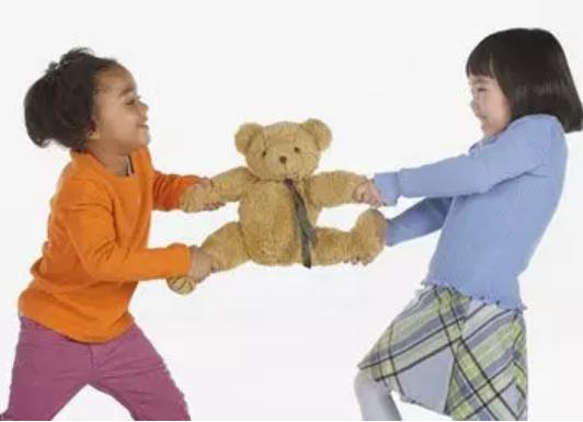 5岁小孩喜欢抢东西怎么办 5岁上幼儿园了自我意识太强怎么办