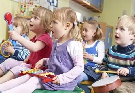 幼儿园选公立还是私立 上公立幼儿园好还是上私立幼儿园好