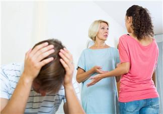 为什么父母想要与结婚子女一起居住 丈夫该如何处理婆媳关系