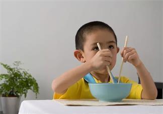怎么教孩子正确的使用筷子 孩子使用筷子怎么教2018