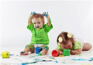 家有双胞胎该怎么带 家长如何教育好双胞胎
