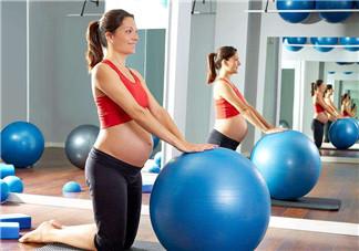 怀双胞胎是同天受孕吗 双胞胎受孕时机有什么差别