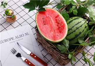 西瓜吃多了会发胖吗 夏天西瓜怎样吃不会发胖呢