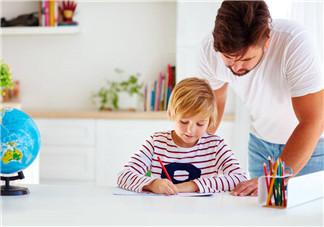 孩子写作业太慢怎么办 生活中注意培养孩子的时间观念