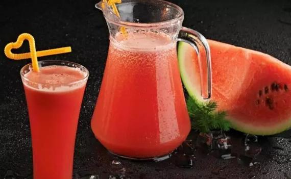 夏天西瓜放冰箱能放几天 切开的西瓜放冰箱能放多久2018