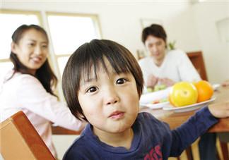 如何培养孩子的好性格 倾听和鼓励才是正确的付出方式