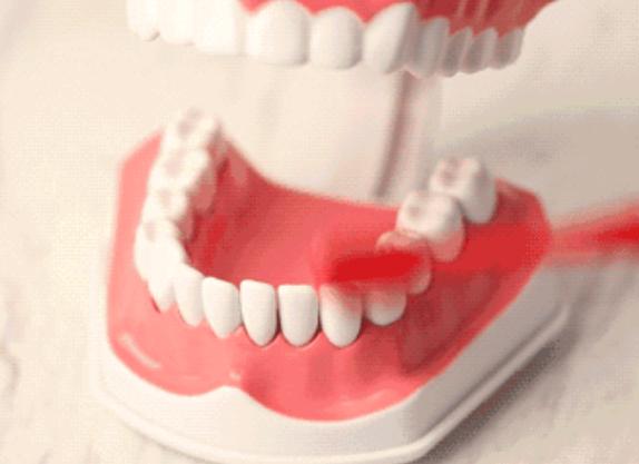 宝宝几岁可以使用电动牙刷 宝宝第一次用电动牙刷主要什么