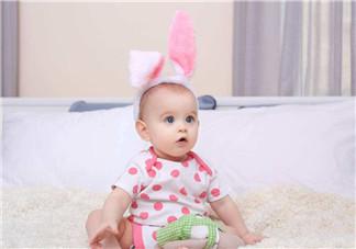 能不能帮宝宝清除耳垢 爸妈是否需要帮幼儿清除耳垢