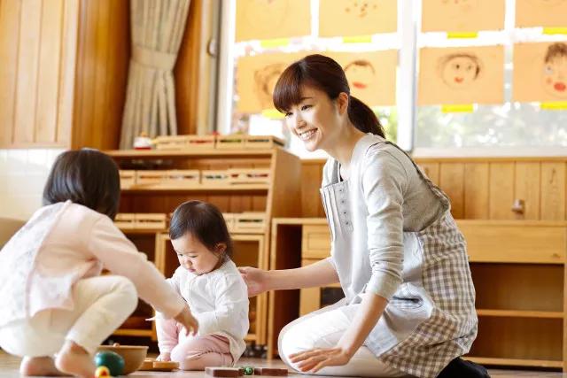 孩子把幼儿园的玩具带回家怎么办 怎么理解孩子把玩具带回家的行为