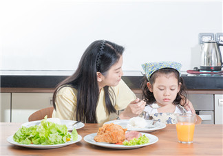孩子不喜欢吃蔬菜怎么办 生活中让孩子多亲近蔬菜