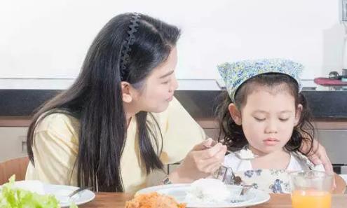 夏天宝宝厌食怎么办2018 怎么让宝宝夏天多吃饭