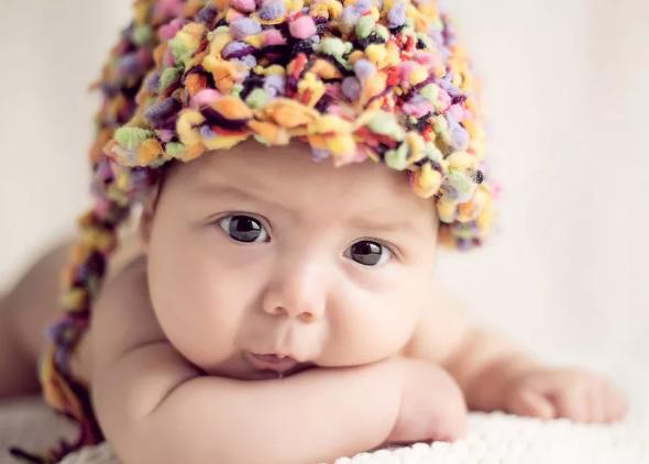 夏天宝宝空调房里要喝温水吗 宝宝空调房喝温水有什么好处