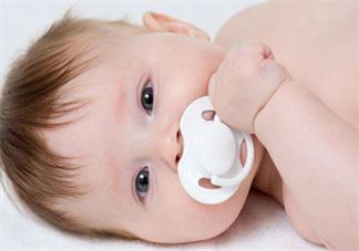 如何给宝宝选择合适的奶嘴 2018怎么选择给宝宝的奶嘴好