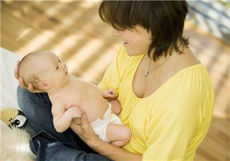 宝宝吃奶咬乳头怎么办 宝宝吃奶咬奶头为什么