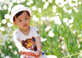 对中暑孩子怎样进行降温 夏天孩子中暑紧急处理办法