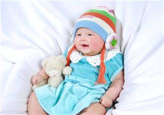 夏天坐月子宝宝穿什么 2018夏天新生儿可以穿短袖吗