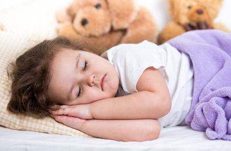 小孩暑假整天睡懒觉怎么办 暑假小孩睡懒觉是坏习惯吗