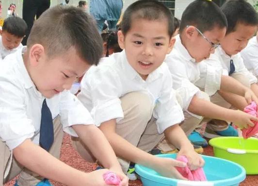 暑假怎么培养孩子生活自理 小孩生活自理习惯怎么养成2018