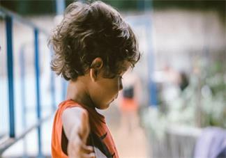 男宝宝喜欢摸私处怎么办 宝宝喜欢摸私处的行为怎么管好