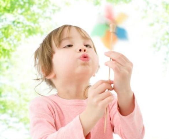 宝宝牛奶蛋白过敏出门吃什么好 牛奶蛋白过敏宝宝出行要注意什么