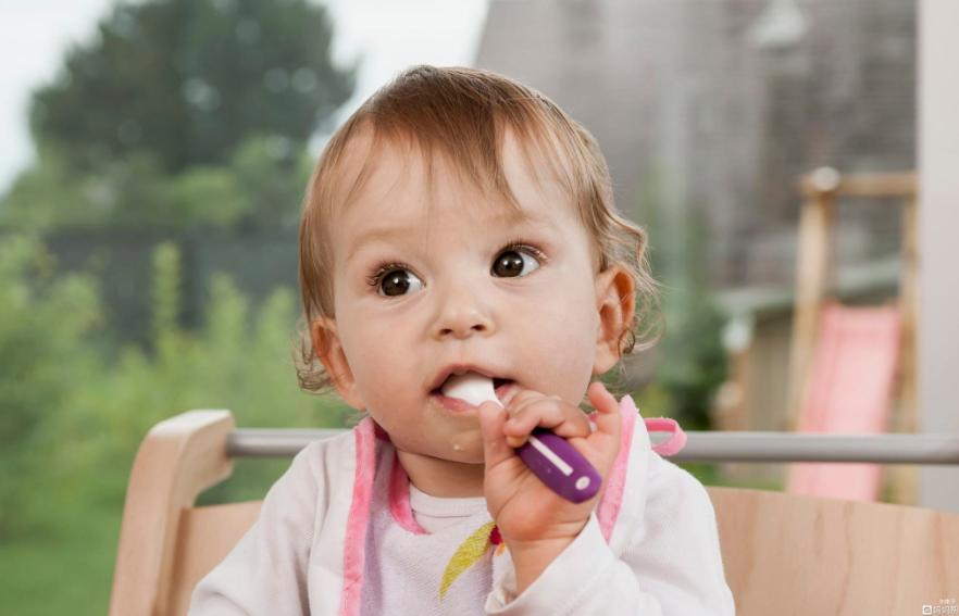 宝宝黄疸严重可以喝黄连水吗 宝宝喝黄连水去黄疸有效吗