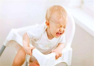 孩子接种完疫苗后可以洗澡吗 孩子夏天接种疫苗不能洗澡是真的吗