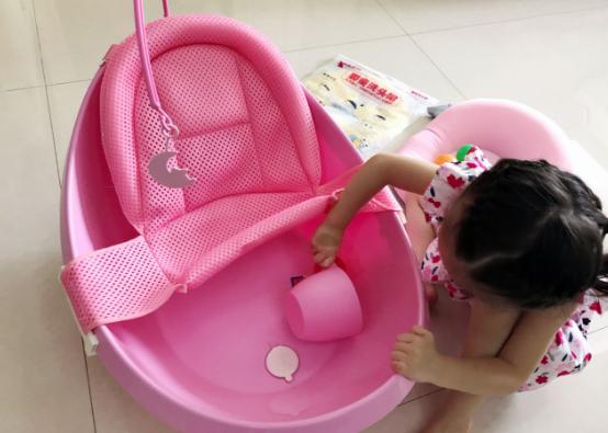适合宝宝月子洗澡的浴盆怎么选择 宝宝浴盆设计怎么看2018