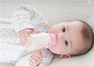 宝宝断奶后不吃奶粉怎么办 先让宝宝适应奶瓶喂养