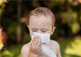 宝宝体质与哪些因素有关系 夏季孩子可以贴三伏贴针灸吗