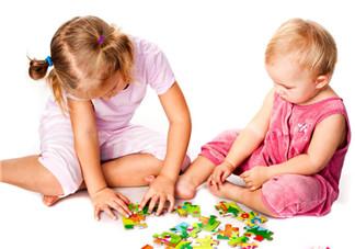 6个月宝宝可以玩的亲子游戏有哪些 六个月的宝宝做什么互动游戏比较好