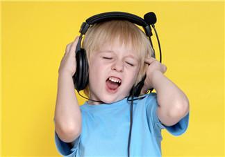 孩子发泄情绪时怎么正确疏导 如何帮助孩子认识自己的情绪