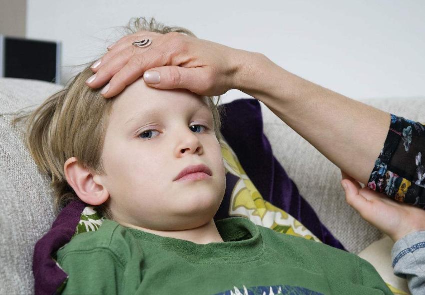 孩子发高烧做什么比较好 孩子发高烧正确做法