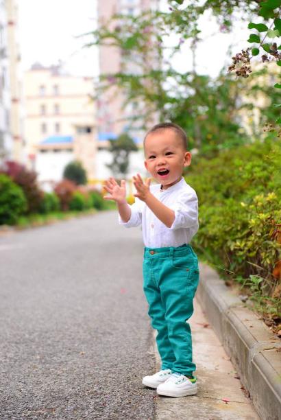 2岁宝宝喜欢打人怎么教育 2岁宝宝爱打人怎么引导