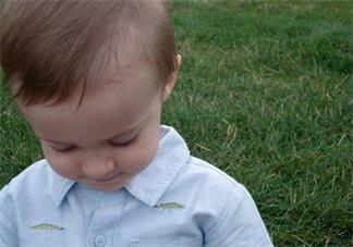 宝宝两岁还没断奶正常吗 孩子两岁怎么给孩子断奶
