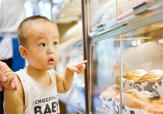 孩子什么时候给他吃辅食最好 孩子吃辅食有哪些特征